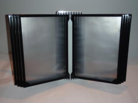 Демонстрационная система А4 настенная на 10 (десять) черных рамок плоская, Демонстрационная система А4 настенная на 10 (десять) рамок белый цвет